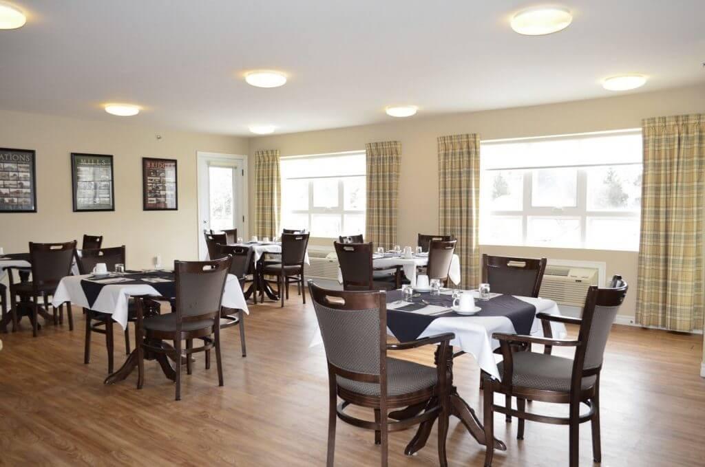 Premier Lounge & Dining